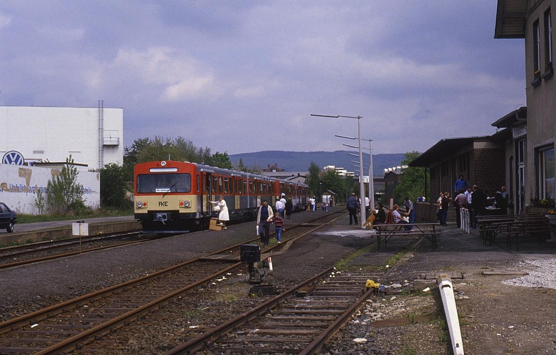 http://www.onkel-wom.de/bilder/db_aartalbahn/aartal_02-102.jpg