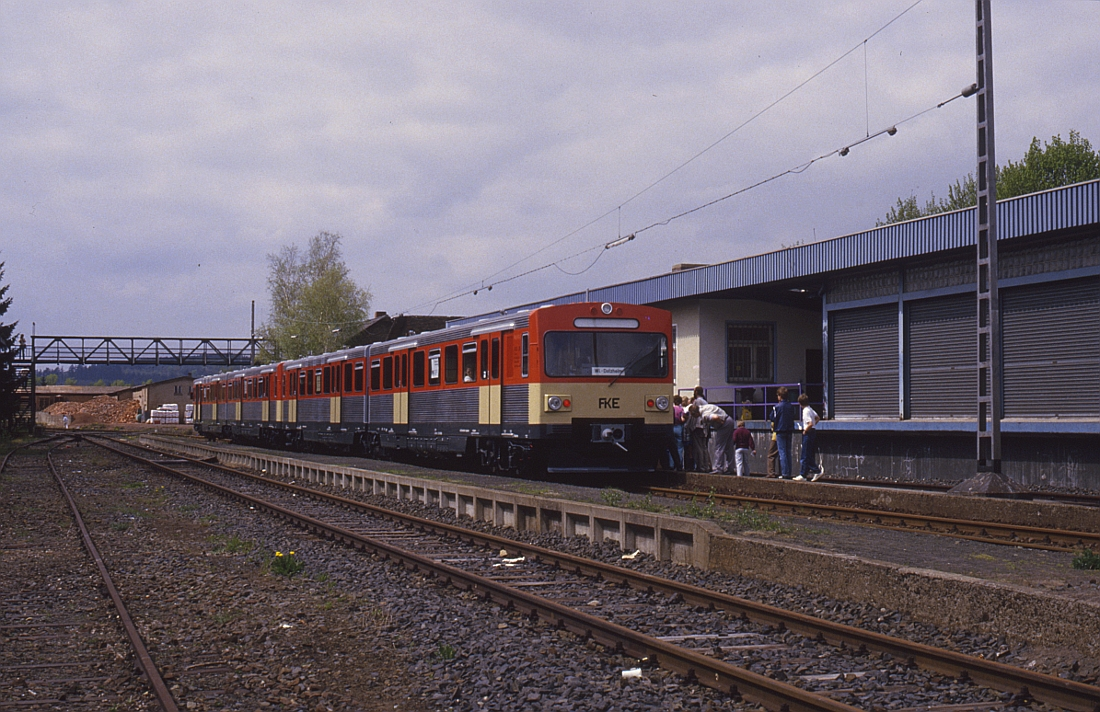 http://www.onkel-wom.de/bilder/db_aartalbahn/aartal_02-103.jpg