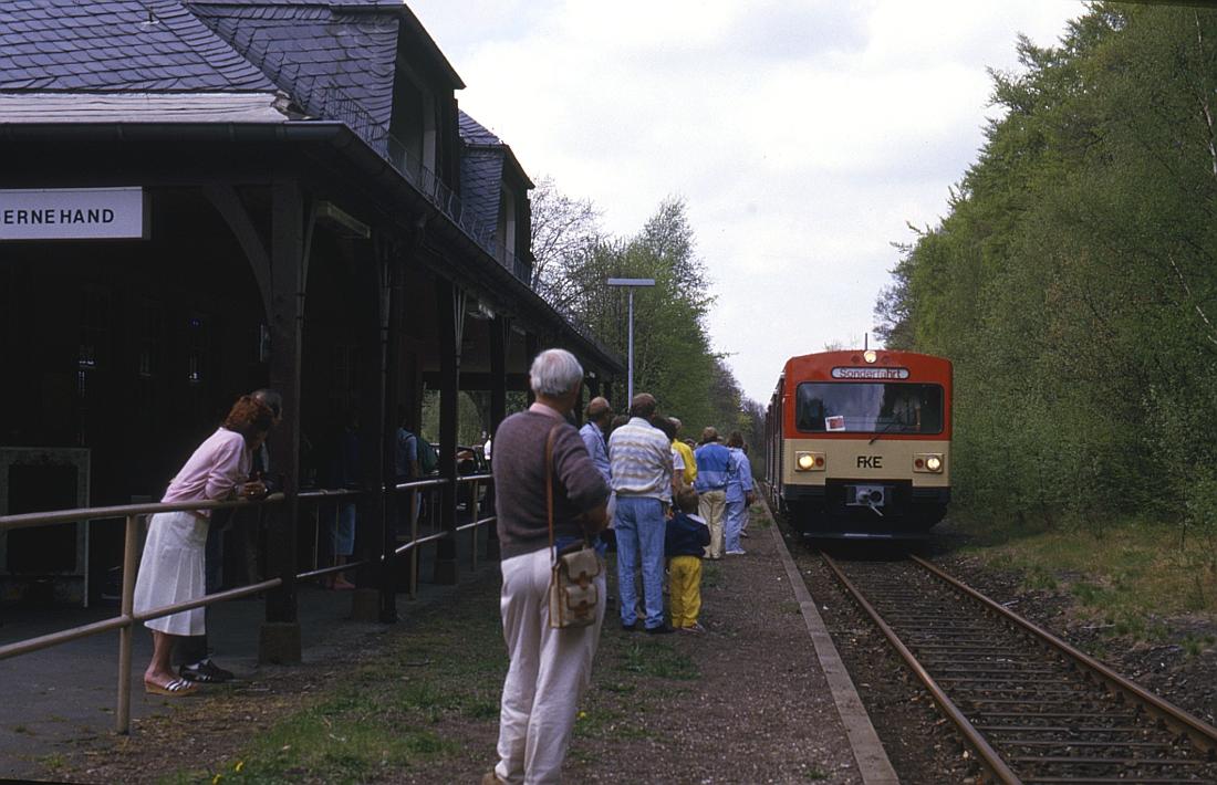 http://www.onkel-wom.de/bilder/db_aartalbahn/aartal_02-106.jpg