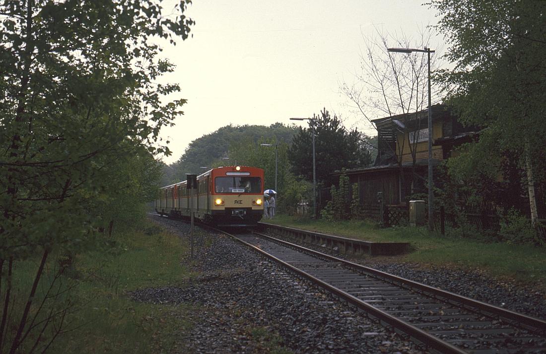 http://www.onkel-wom.de/bilder/db_aartalbahn/aartal_02-109.jpg