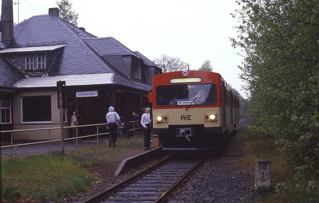 http://www.onkel-wom.de/bilder/db_aartalbahn/aartal_02-112.jpg