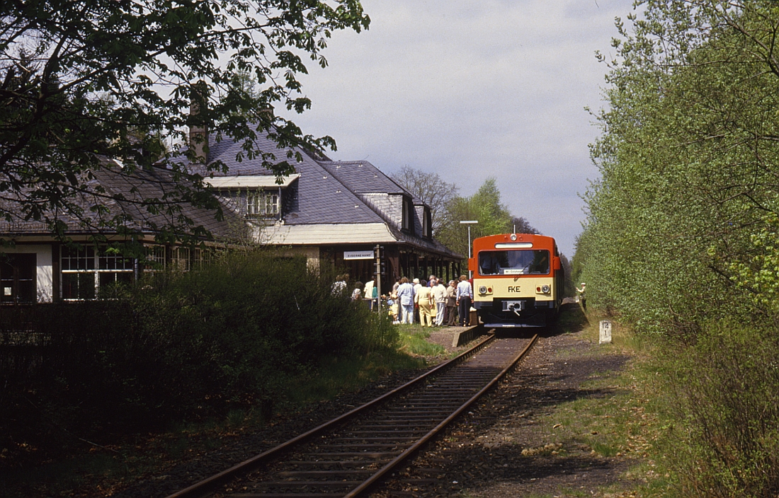 http://www.onkel-wom.de/bilder/db_aartalbahn/aartal_02-115.jpg