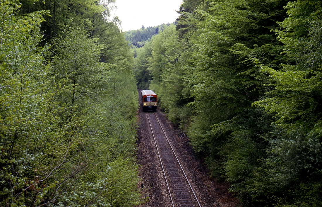 http://www.onkel-wom.de/bilder/db_aartalbahn/aartal_02-116.jpg
