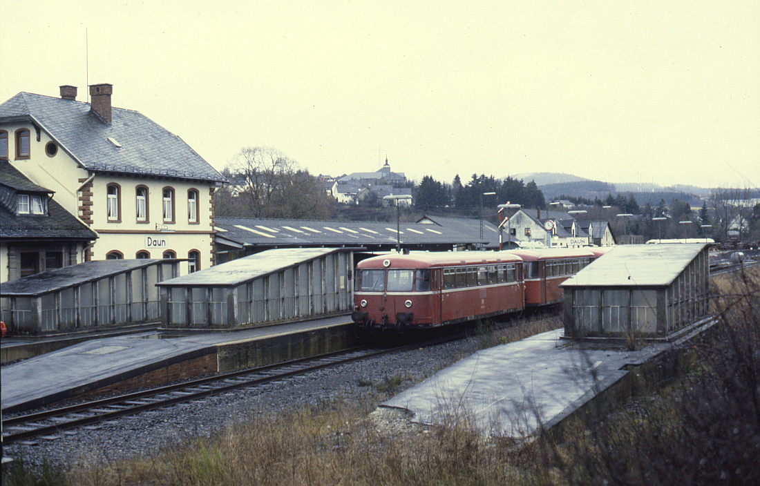 http://www.onkel-wom.de/bilder/db_andernach-gerolstein/eqb_01-105.jpg