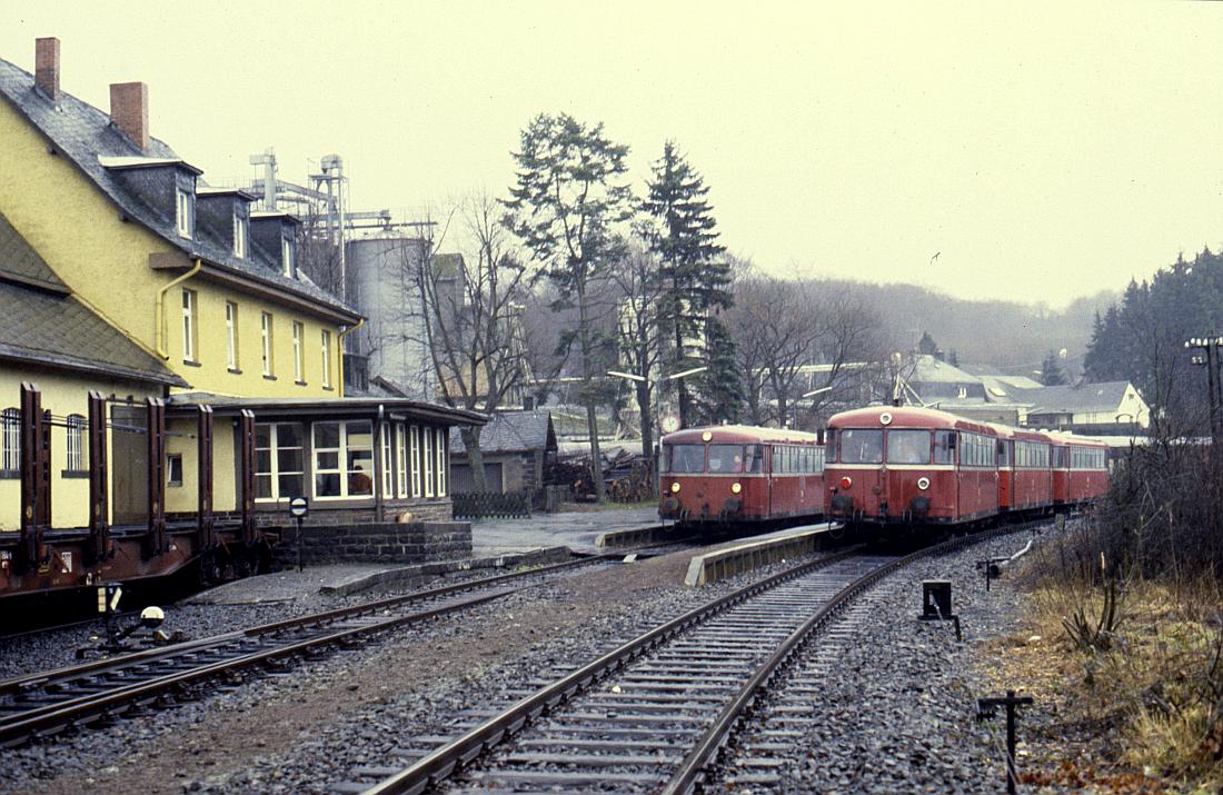 http://www.onkel-wom.de/bilder/db_andernach-gerolstein/eqb_01-110.jpg