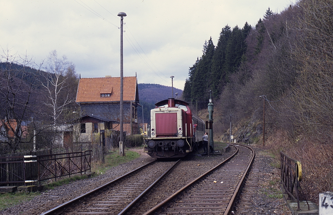 http://www.onkel-wom.de/bilder/db_ilmenau-themar/ilm-them_01-101.jpg
