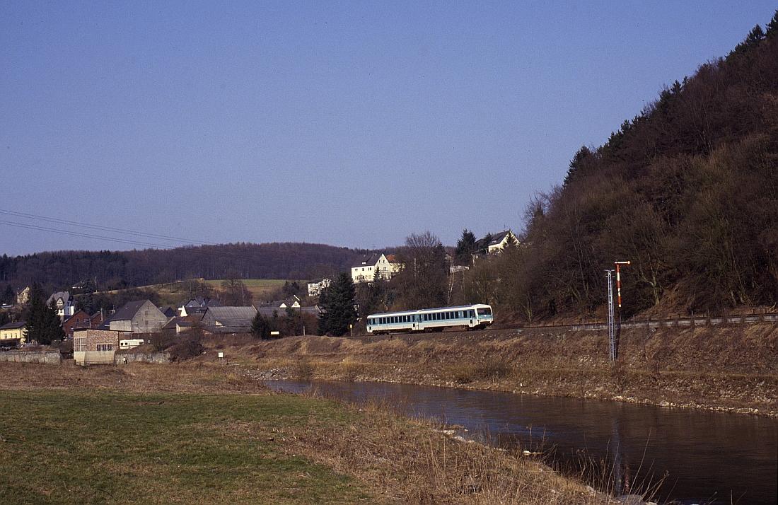 http://www.onkel-wom.de/bilder/db_lahntalbahn/lahn_01-103.jpg