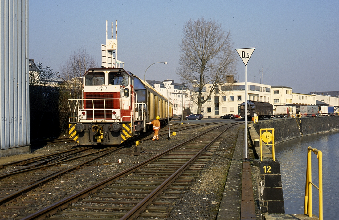 http://www.onkel-wom.de/bilder/hafenbahn_frankfurt/haba_f_06-105.jpg