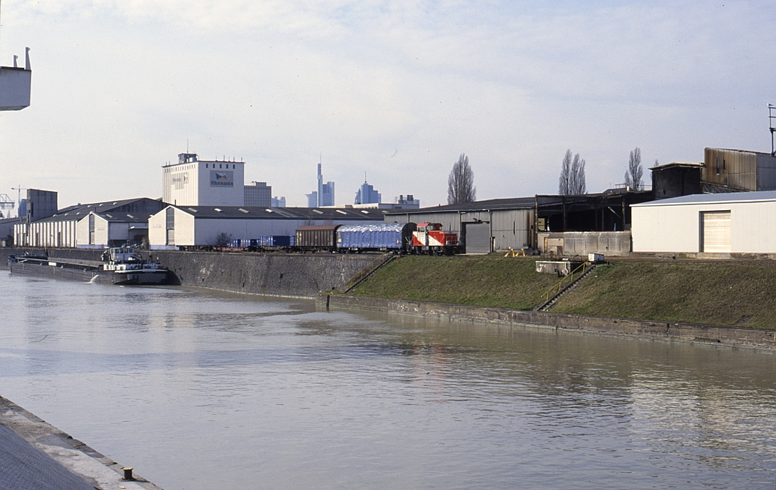 http://www.onkel-wom.de/bilder/hafenbahn_frankfurt/haba_f_06-110.jpg