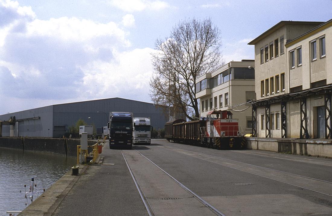 http://www.onkel-wom.de/bilder/hafenbahn_frankfurt/haba_f_06-116.jpg