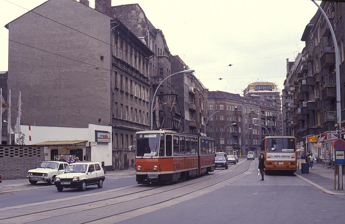 http://www.onkel-wom.de/bilder/straba_berlin/straba_b_09-101.jpg