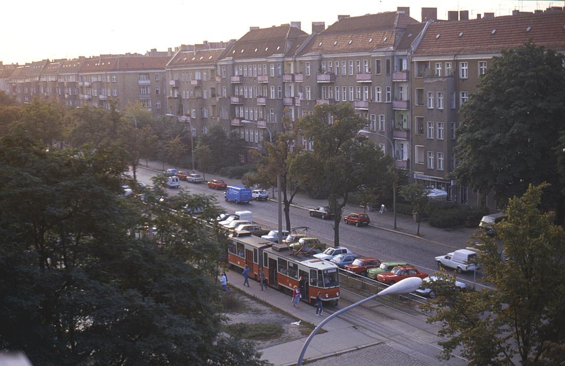 http://www.onkel-wom.de/bilder/straba_berlin/straba_b_09-103.jpg