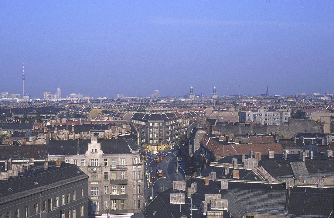 http://www.onkel-wom.de/bilder/straba_berlin/straba_b_09-104.jpg