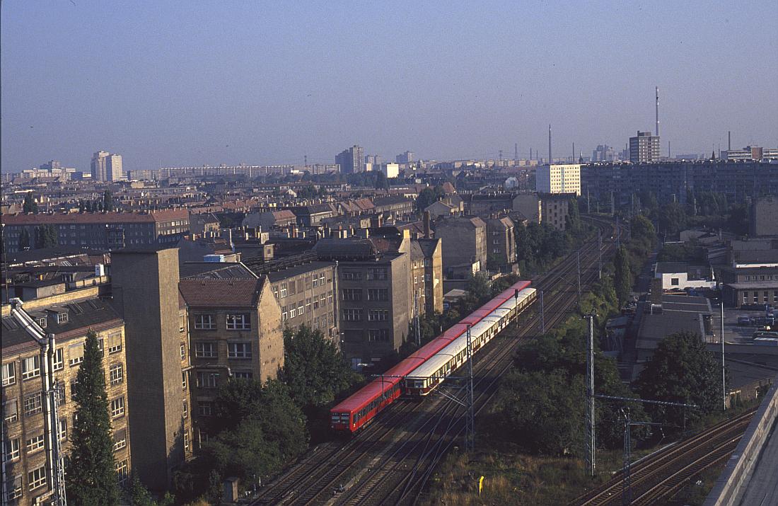 http://www.onkel-wom.de/bilder/straba_berlin/straba_b_09-106.jpg