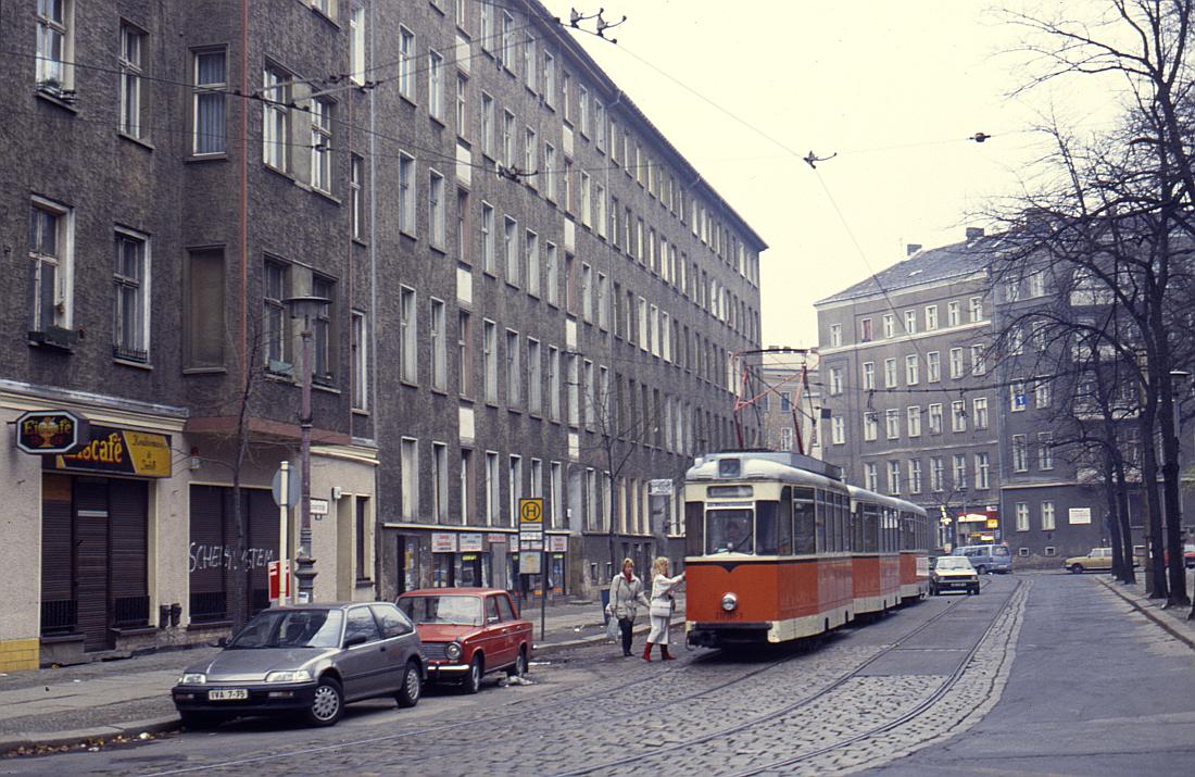 http://www.onkel-wom.de/bilder/straba_berlin/straba_b_09-111.jpg
