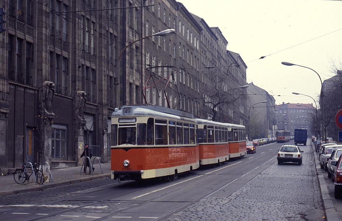 http://www.onkel-wom.de/bilder/straba_berlin/straba_b_09-112.jpg