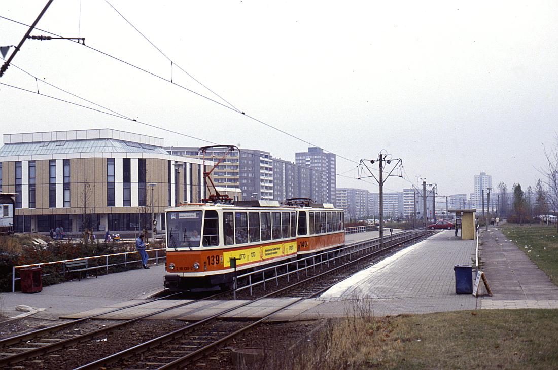 http://www.onkel-wom.de/bilder/straba_berlin/straba_b_09-115.jpg
