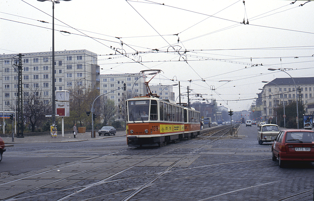 http://www.onkel-wom.de/bilder/straba_berlin/straba_b_09-116.jpg