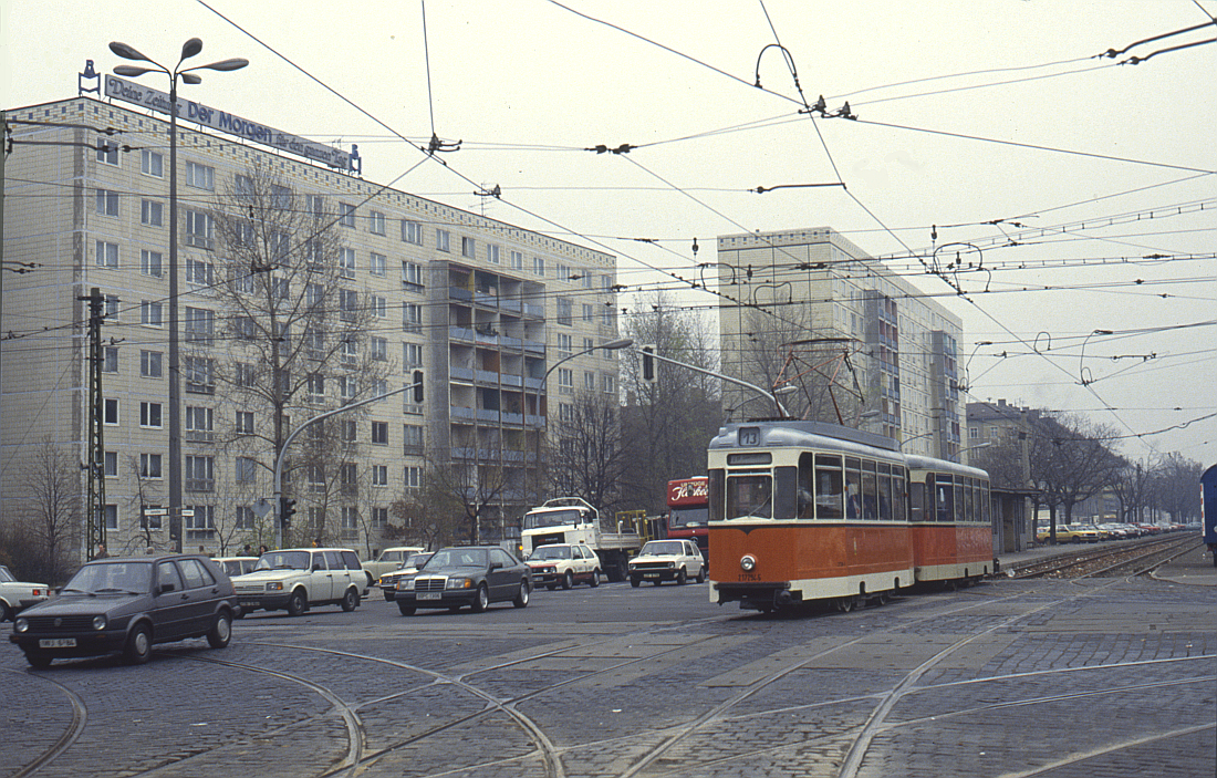 http://www.onkel-wom.de/bilder/straba_berlin/straba_b_09-117.jpg