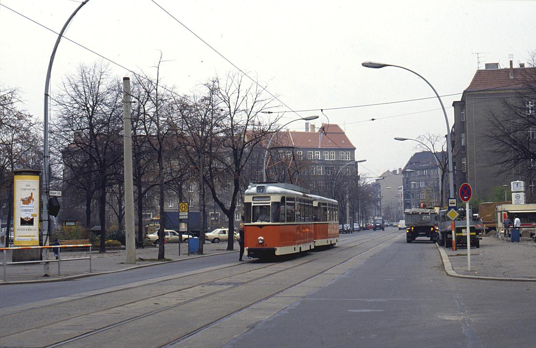 http://www.onkel-wom.de/bilder/straba_berlin/straba_b_09-118.jpg