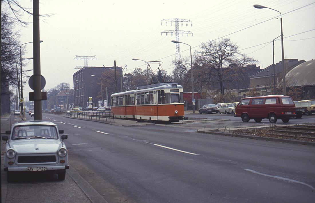 http://www.onkel-wom.de/bilder/straba_berlin/straba_b_09-120.jpg