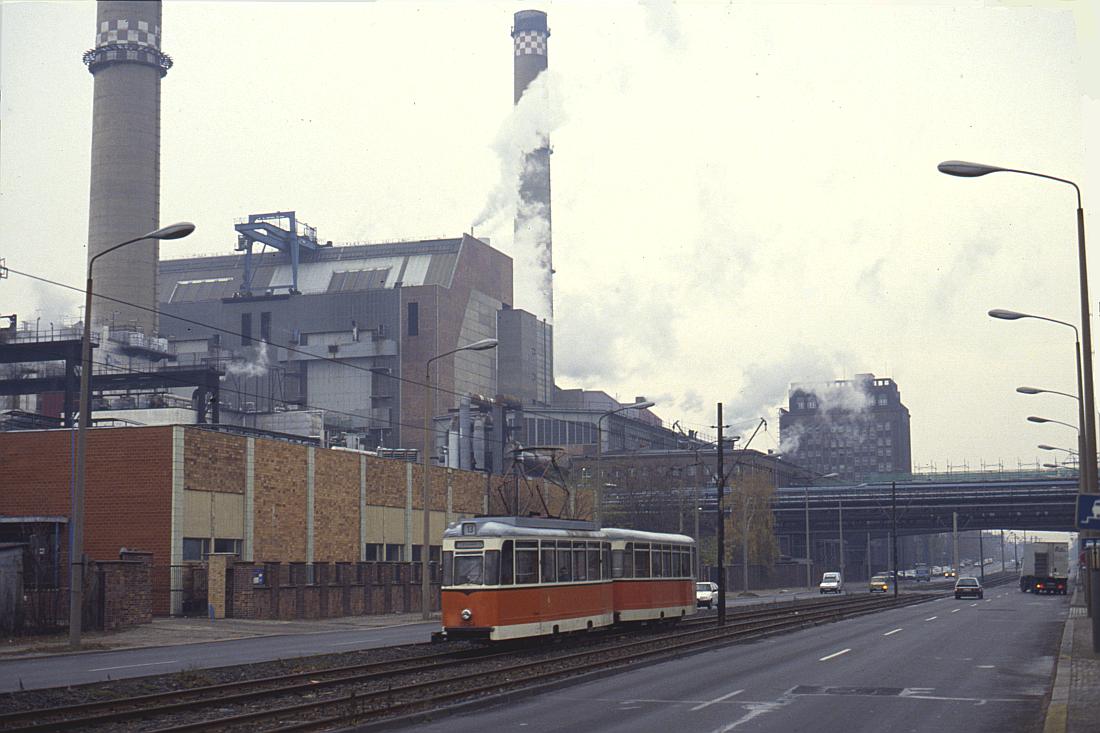 http://www.onkel-wom.de/bilder/straba_berlin/straba_b_09-121.jpg
