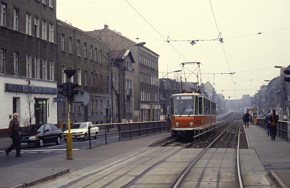 http://www.onkel-wom.de/bilder/straba_berlin/straba_b_09-123.jpg