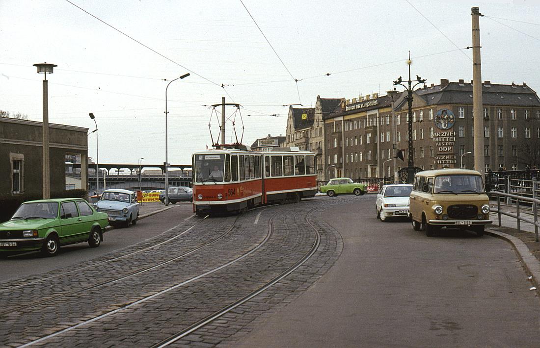 http://www.onkel-wom.de/bilder/straba_berlin/straba_b_09-125.jpg