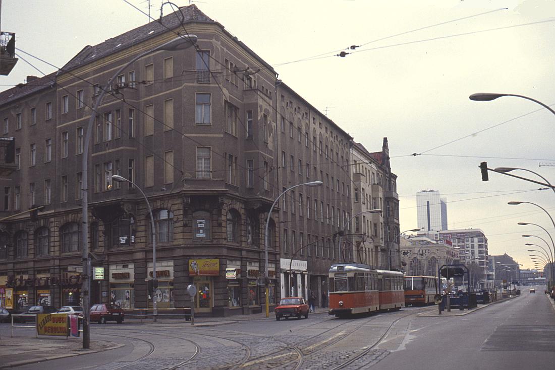 http://www.onkel-wom.de/bilder/straba_berlin/straba_b_09-126.jpg