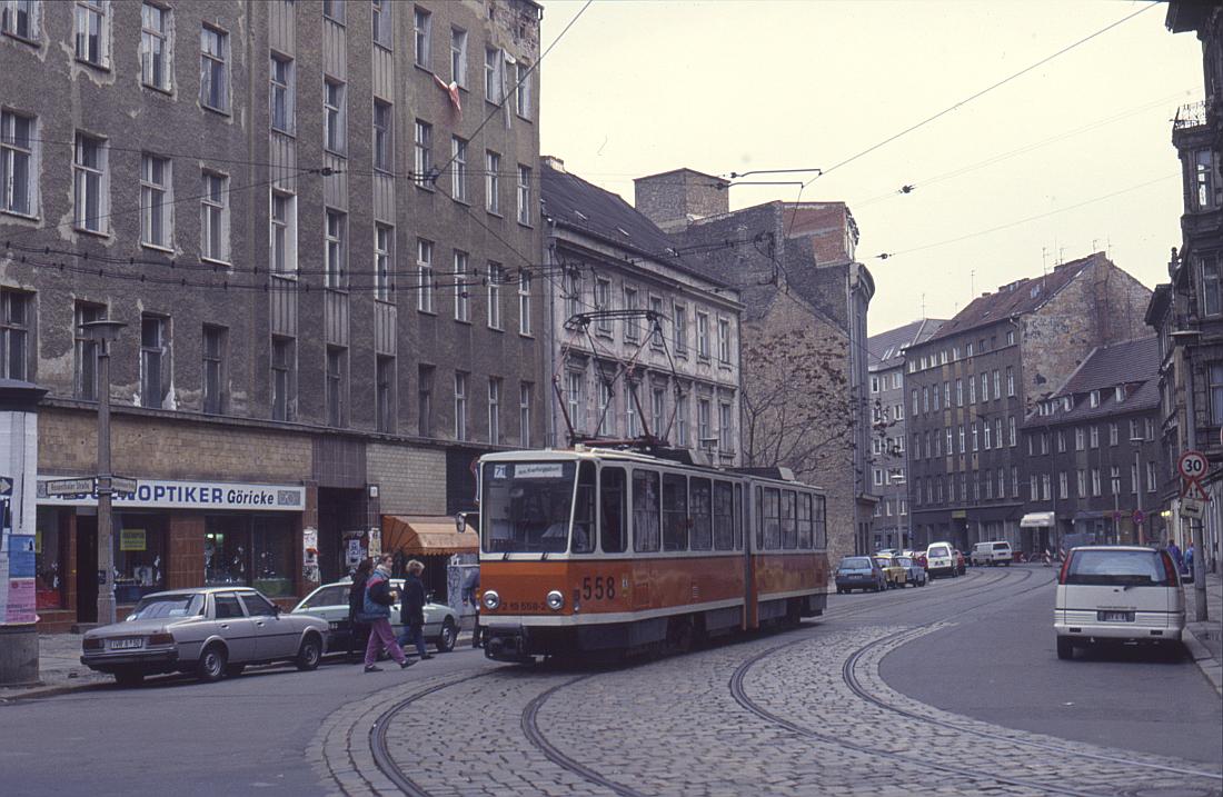 http://www.onkel-wom.de/bilder/straba_berlin/straba_b_09-130.jpg