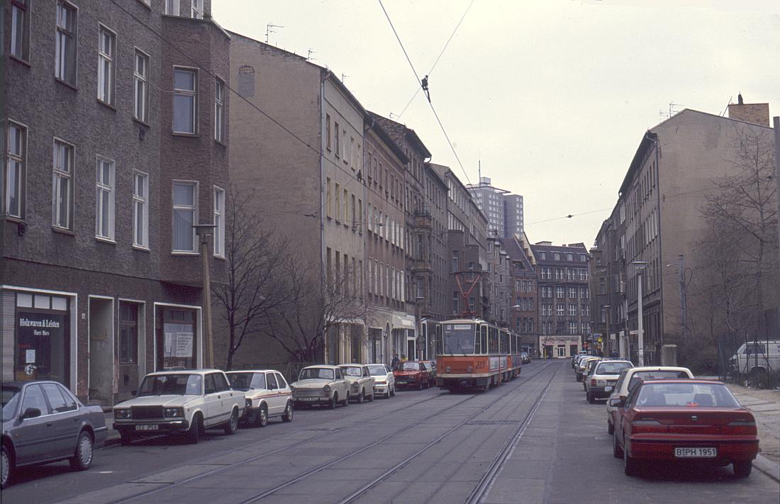 http://www.onkel-wom.de/bilder/straba_berlin/straba_b_09-131.jpg