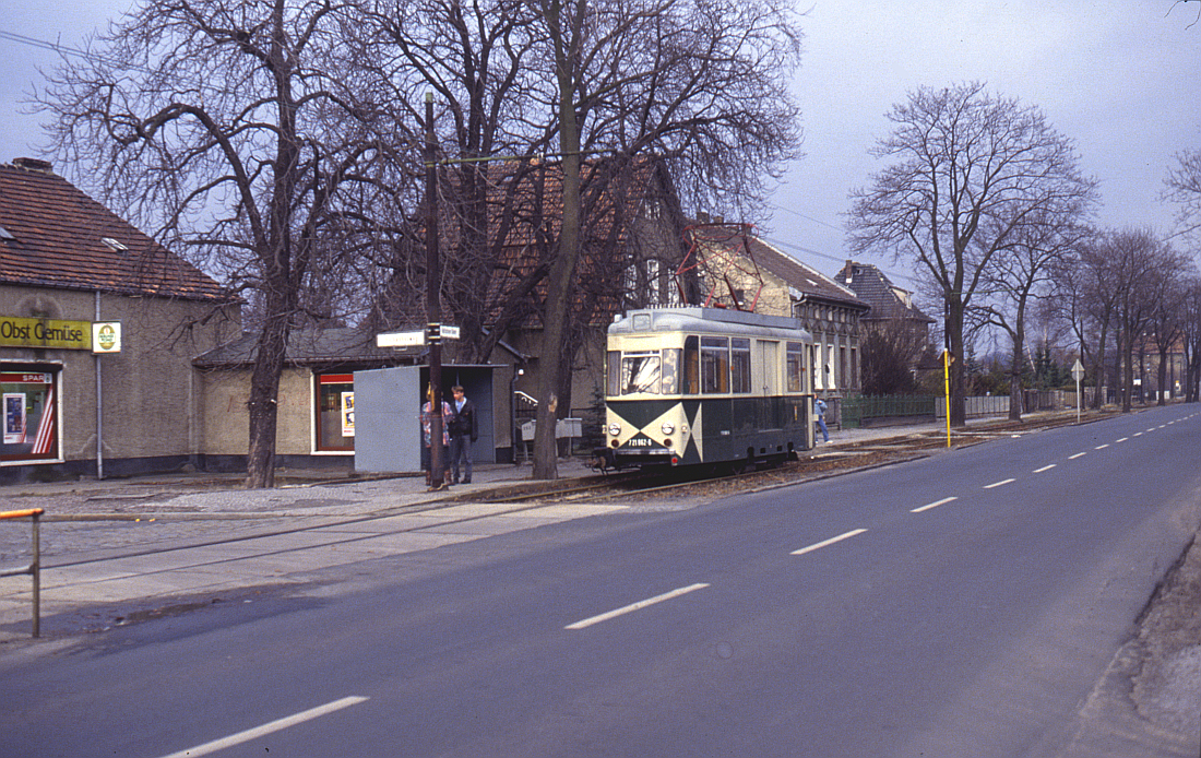 http://www.onkel-wom.de/bilder/straba_berlin/straba_b_09-138.jpg
