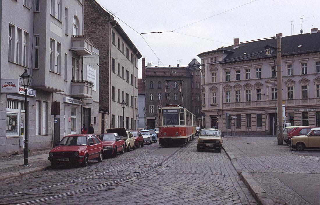 http://www.onkel-wom.de/bilder/straba_berlin/straba_b_09-142.jpg