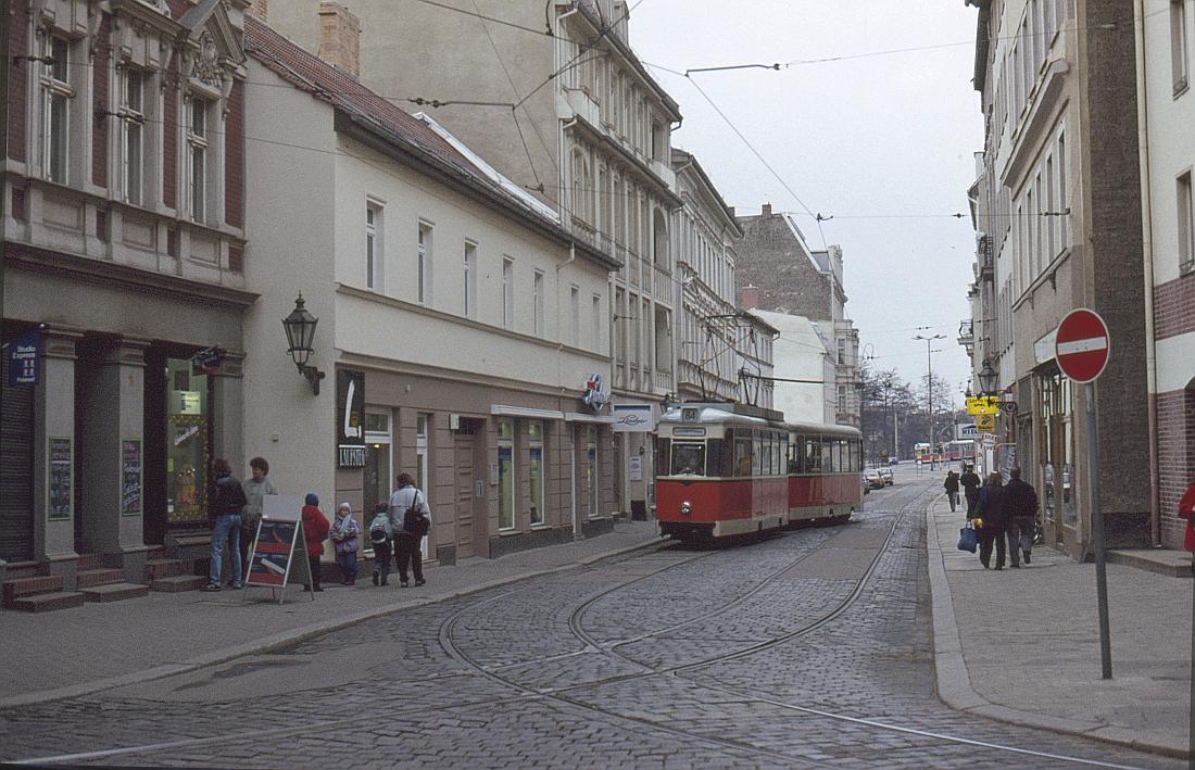 http://www.onkel-wom.de/bilder/straba_berlin/straba_b_09-143.jpg