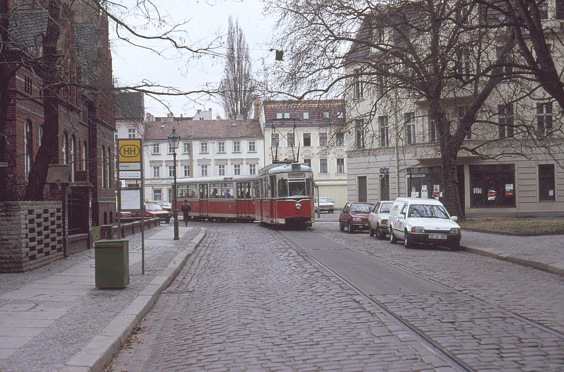 http://www.onkel-wom.de/bilder/straba_berlin/straba_b_09-144.jpg