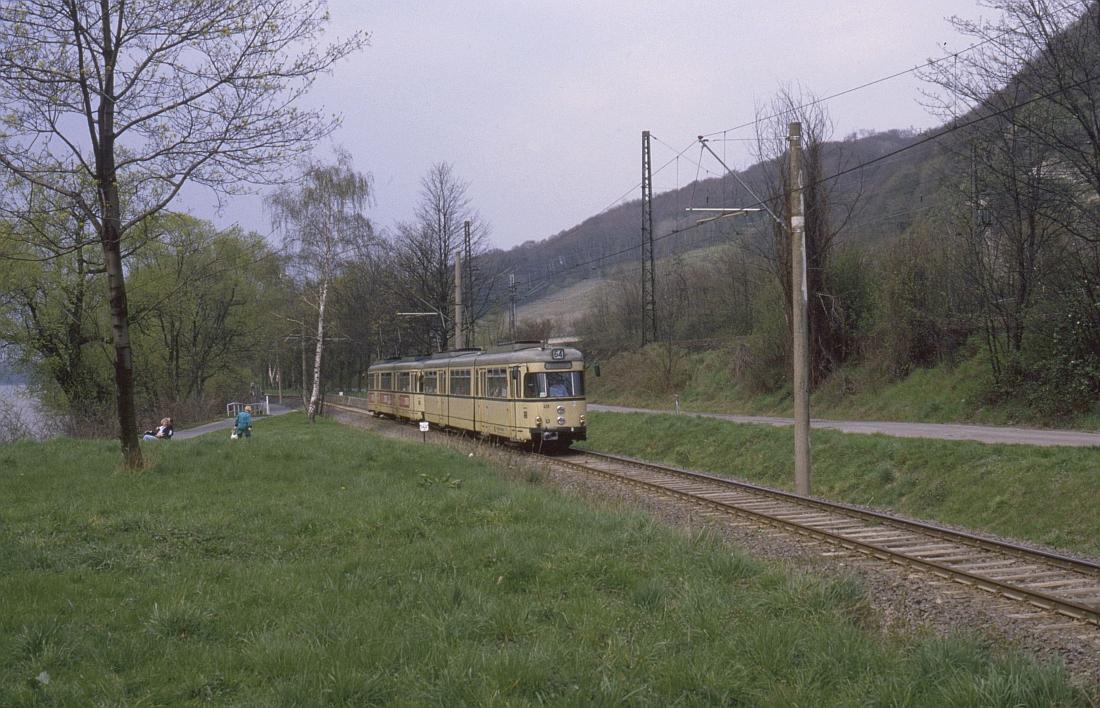 http://www.onkel-wom.de/bilder/straba_bonn/straba_bn_02-108.jpeg