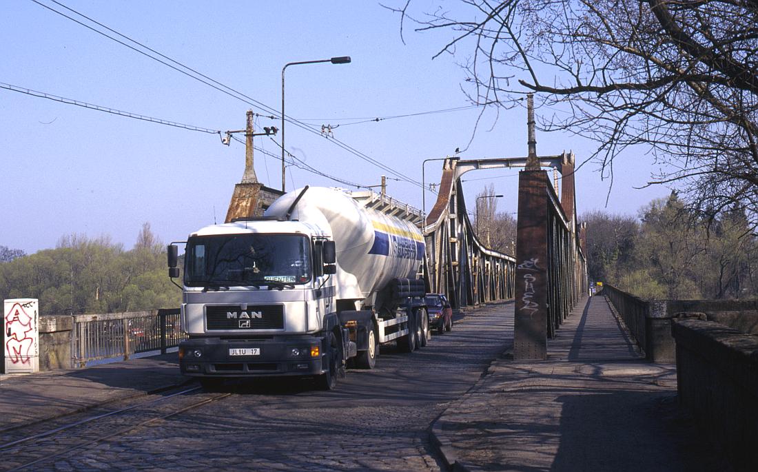 http://www.onkel-wom.de/bilder/straba_brandenburg/brb_03-102.jpg