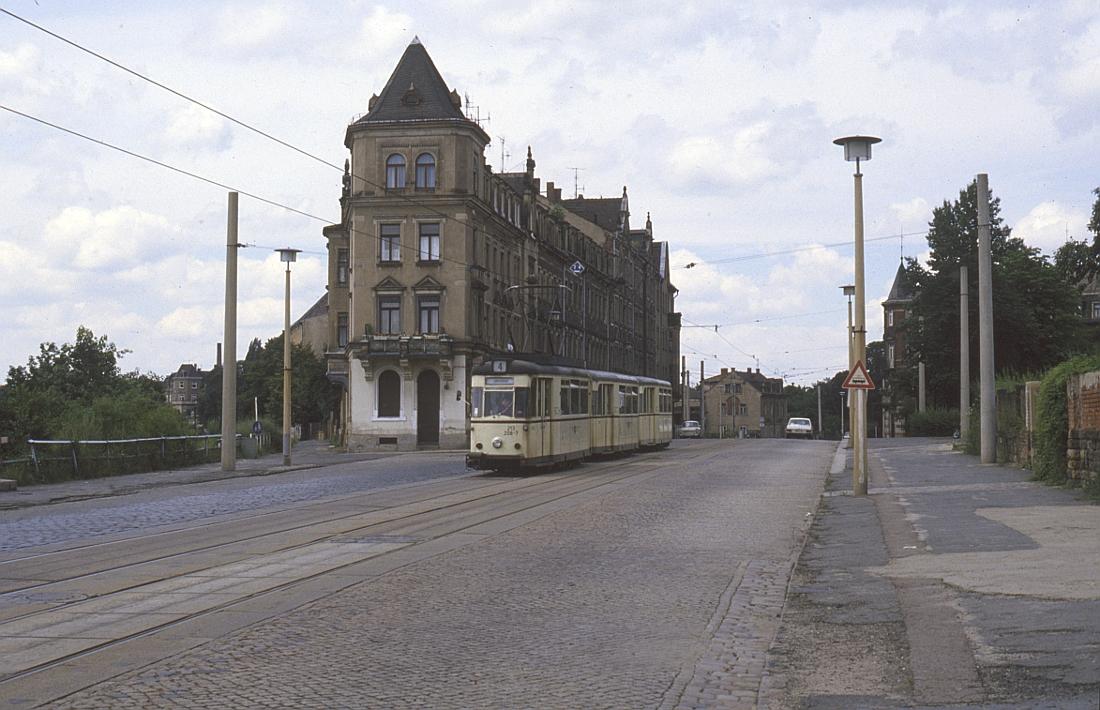 http://www.onkel-wom.de/bilder/straba_dresden/straba_dd_05-103.jpg