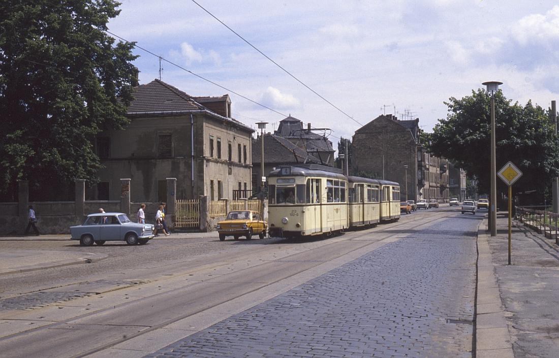 http://www.onkel-wom.de/bilder/straba_dresden/straba_dd_05-104.jpg