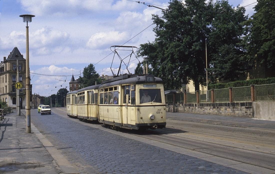 http://www.onkel-wom.de/bilder/straba_dresden/straba_dd_05-105.jpg