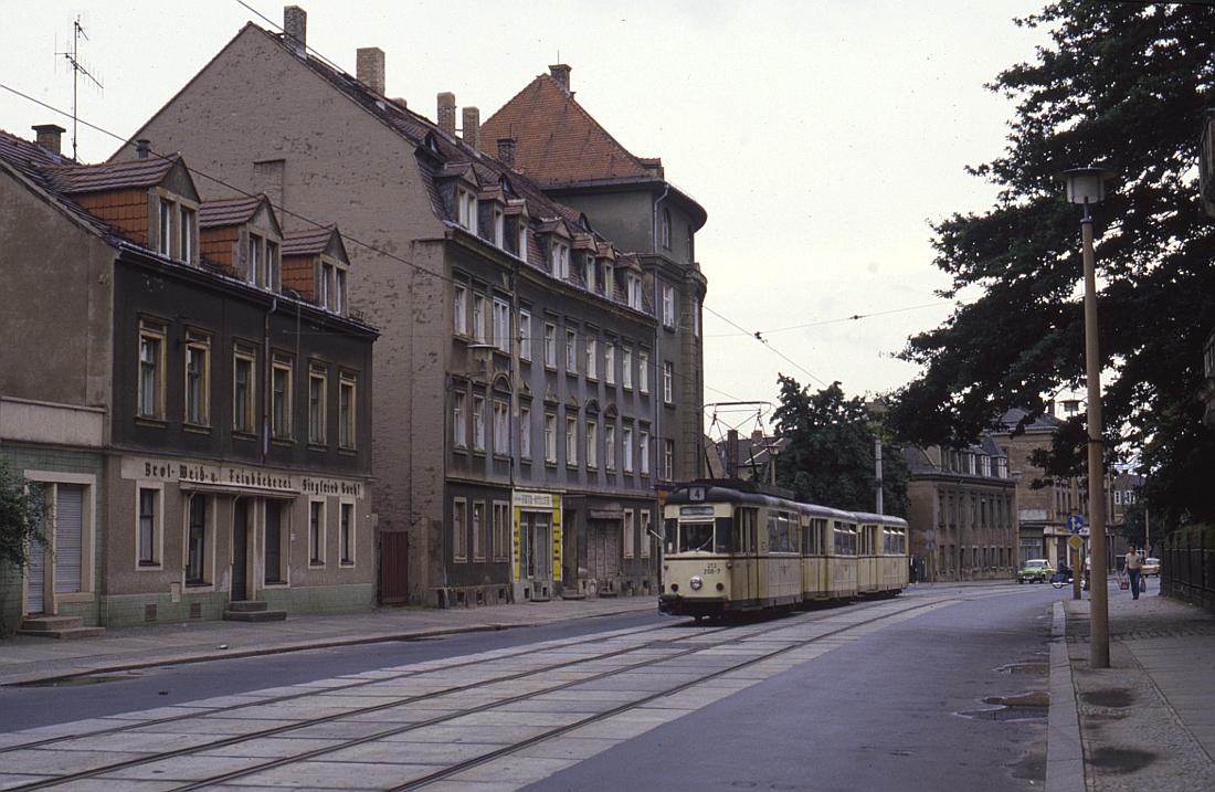 http://www.onkel-wom.de/bilder/straba_dresden/straba_dd_05-110.jpg