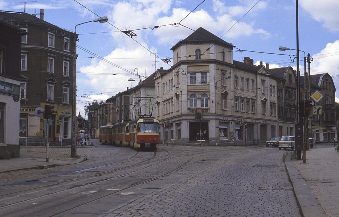 http://www.onkel-wom.de/bilder/straba_dresden/straba_dd_07-122.jpg
