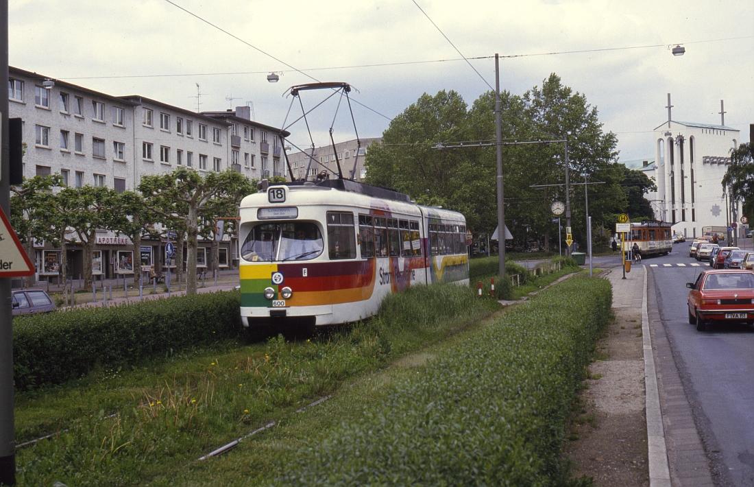 http://www.onkel-wom.de/bilder/straba_frankfurt/straba_f_01-103.jpg