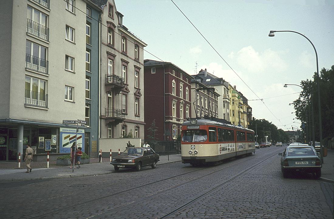 http://www.onkel-wom.de/bilder/straba_frankfurt1/straba_f_17-106.jpg