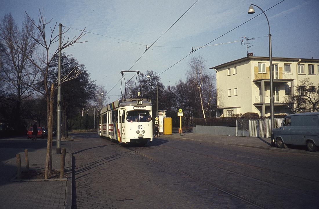 http://www.onkel-wom.de/bilder/straba_frankfurt1/straba_f_17-109.jpg