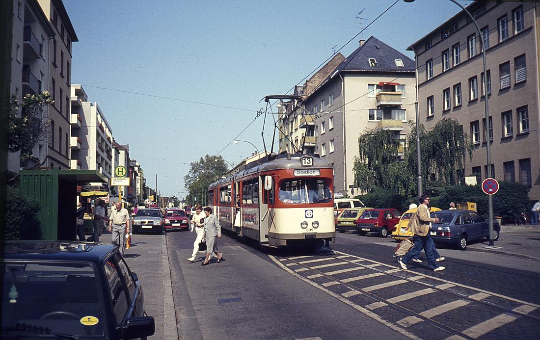 http://www.onkel-wom.de/bilder/straba_frankfurt1/straba_f_17-112.jpg