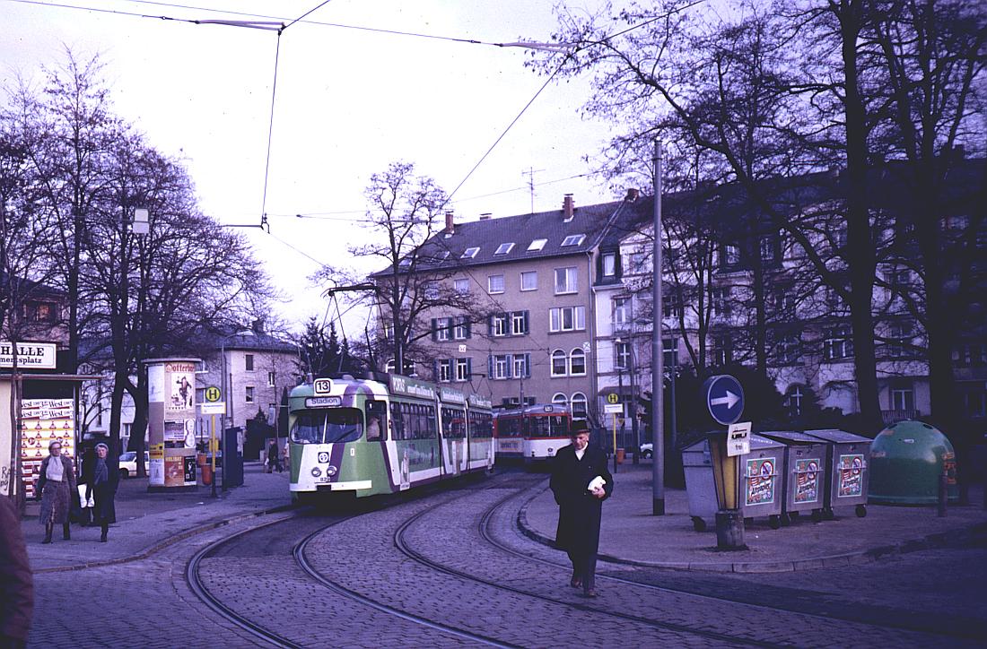 http://www.onkel-wom.de/bilder/straba_frankfurt1/straba_f_17-113.jpg