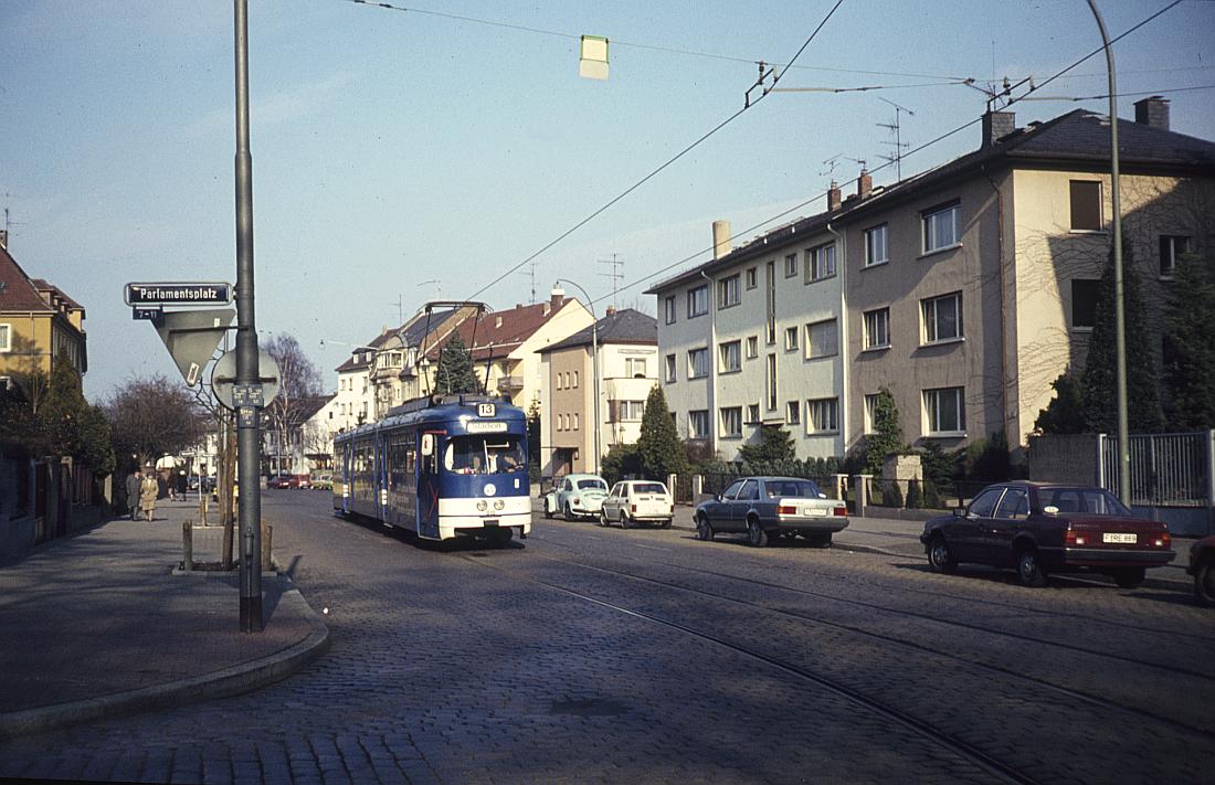 http://www.onkel-wom.de/bilder/straba_frankfurt1/straba_f_17-114.jpg