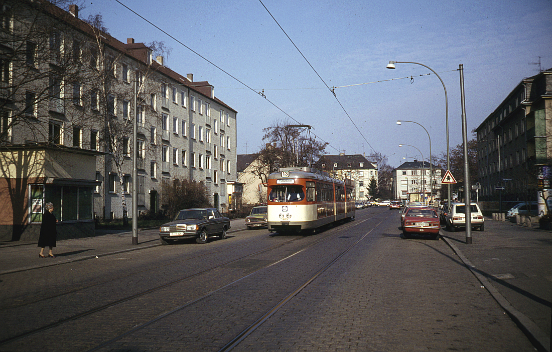 http://www.onkel-wom.de/bilder/straba_frankfurt1/straba_f_17-115.jpg