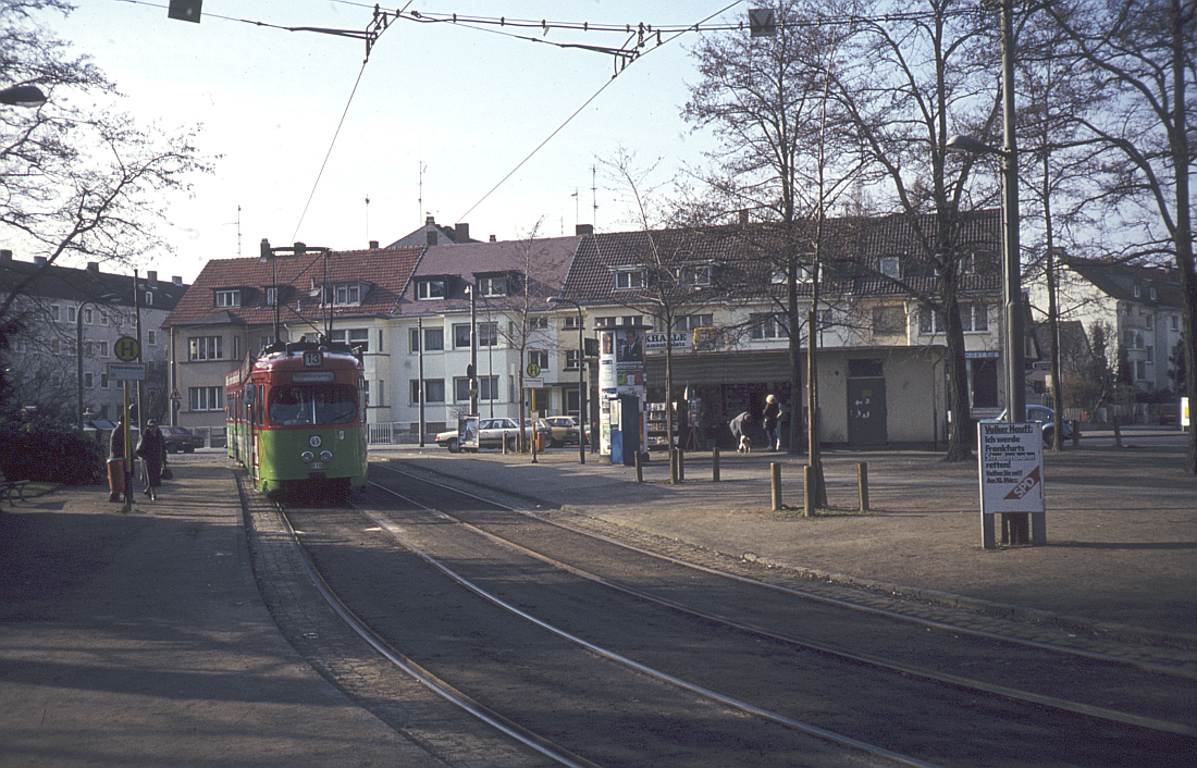 http://www.onkel-wom.de/bilder/straba_frankfurt1/straba_f_17-117.jpg